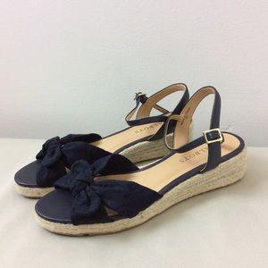 Talbots Navy Bowed Sandals Size 7M